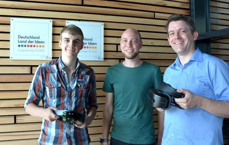 Jonas Blattgerste, Patrick Renner, and Thies Pfeiffer were honored with the Best Paper Award. Photo: CITEC/Bielefeld University