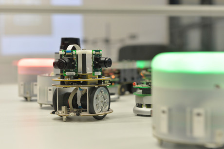 The AMiRo mini robots, which were developed at CITEC, will be on display at the FMB trade fair in Bad Salzuflen from 7–9 November.