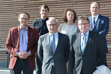 French ambassador Philippe Etienne (front, center) visited the Cluster of Excellence Cognitive Interaction Technology (CITEC). Photo: CITEC / Bielefeld University